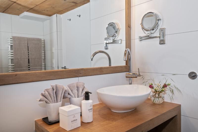 Wellness im Appenzellerland - Boutique Hotel Bären Gonten - Doppelzimmer originell, Bad
